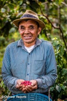 コーヒー農家のドミンゴ・メディナ・ザカリアス